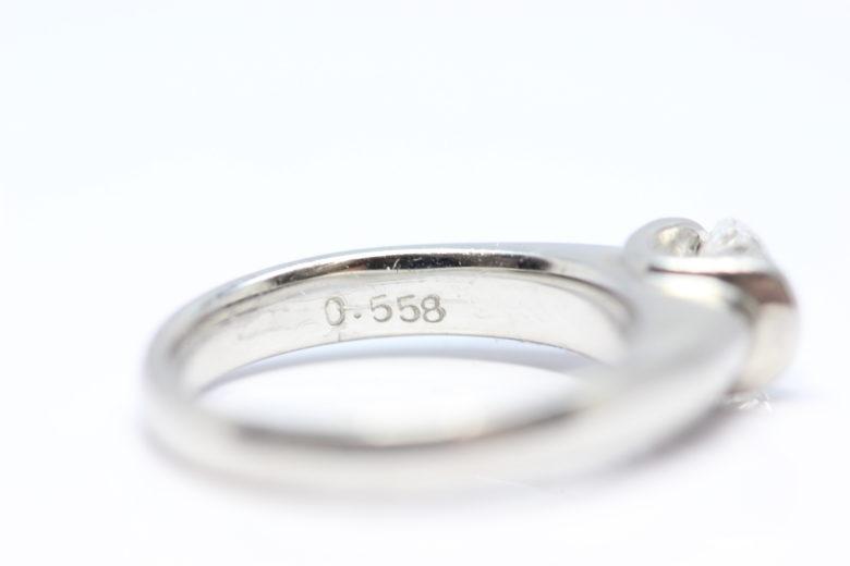 ダイヤリング 0.558 刻印