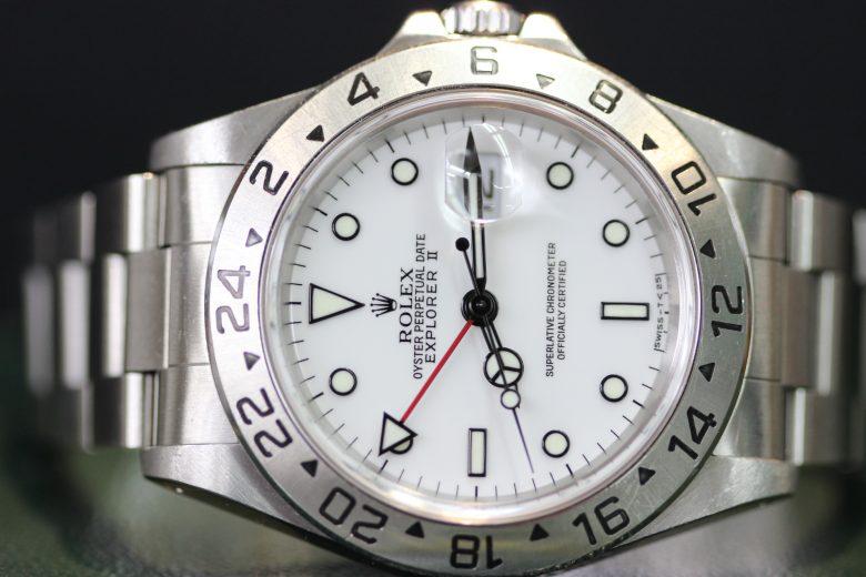 ロレックス 16570 白 正面 横