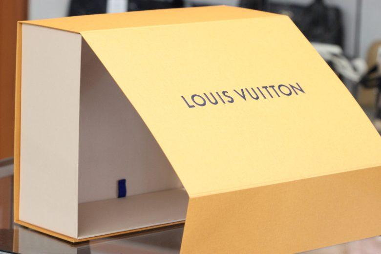 ヴィトン折り畳みの箱