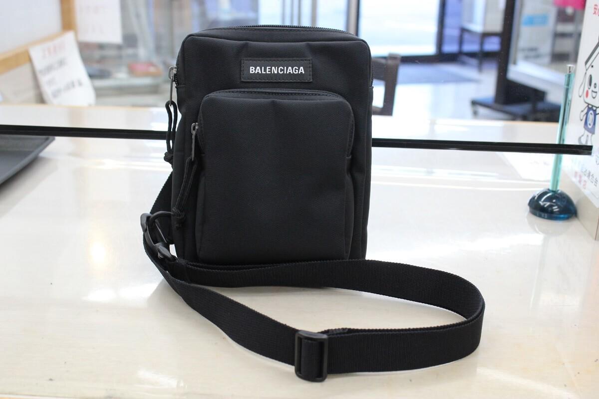 balenciaga-shoulderbag