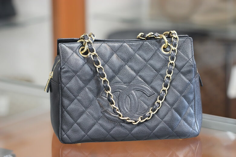 chanel-a18004