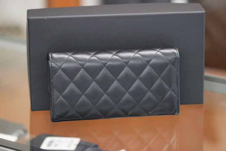 chanel-a80758-back