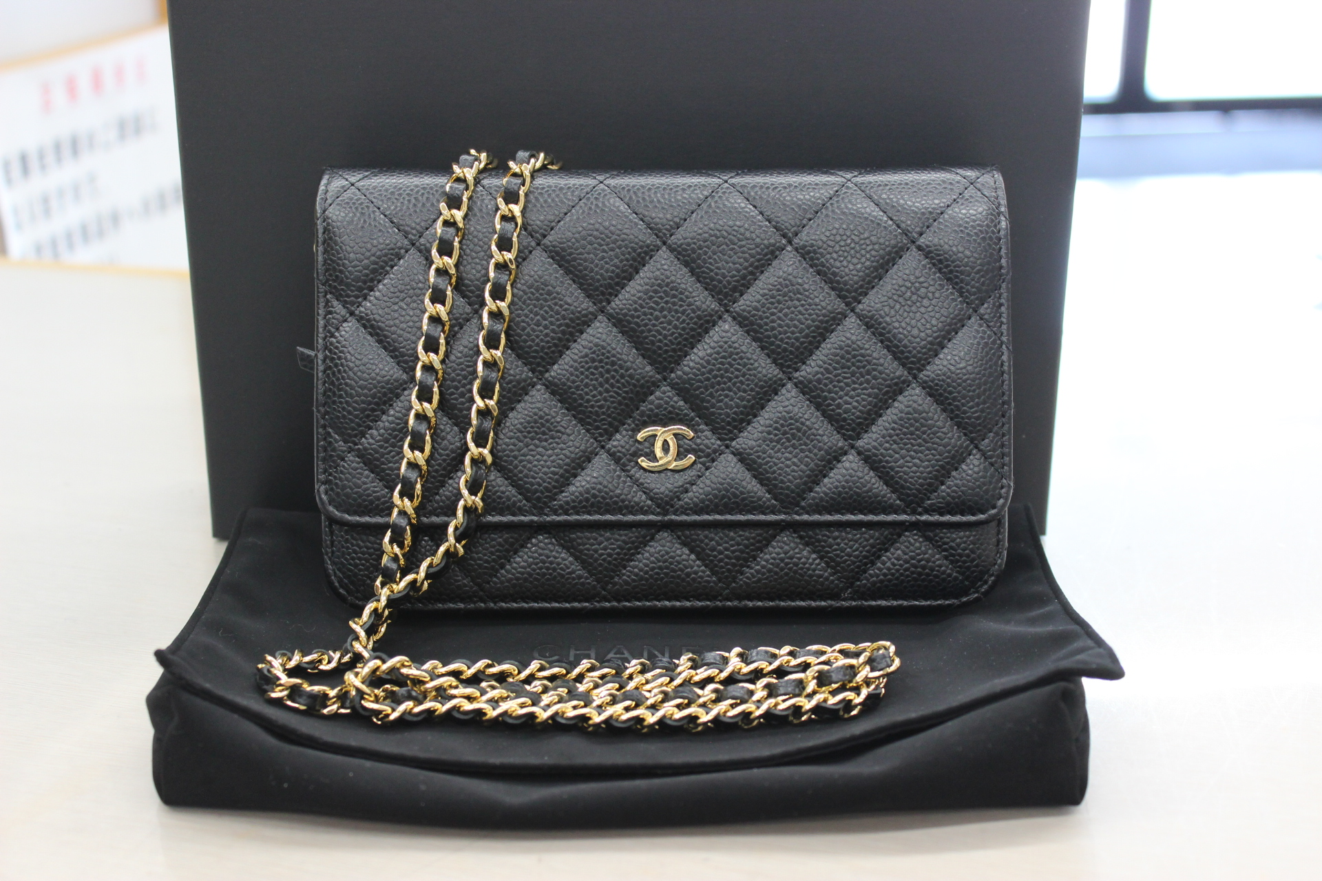 chanel-chainwallet-black-front