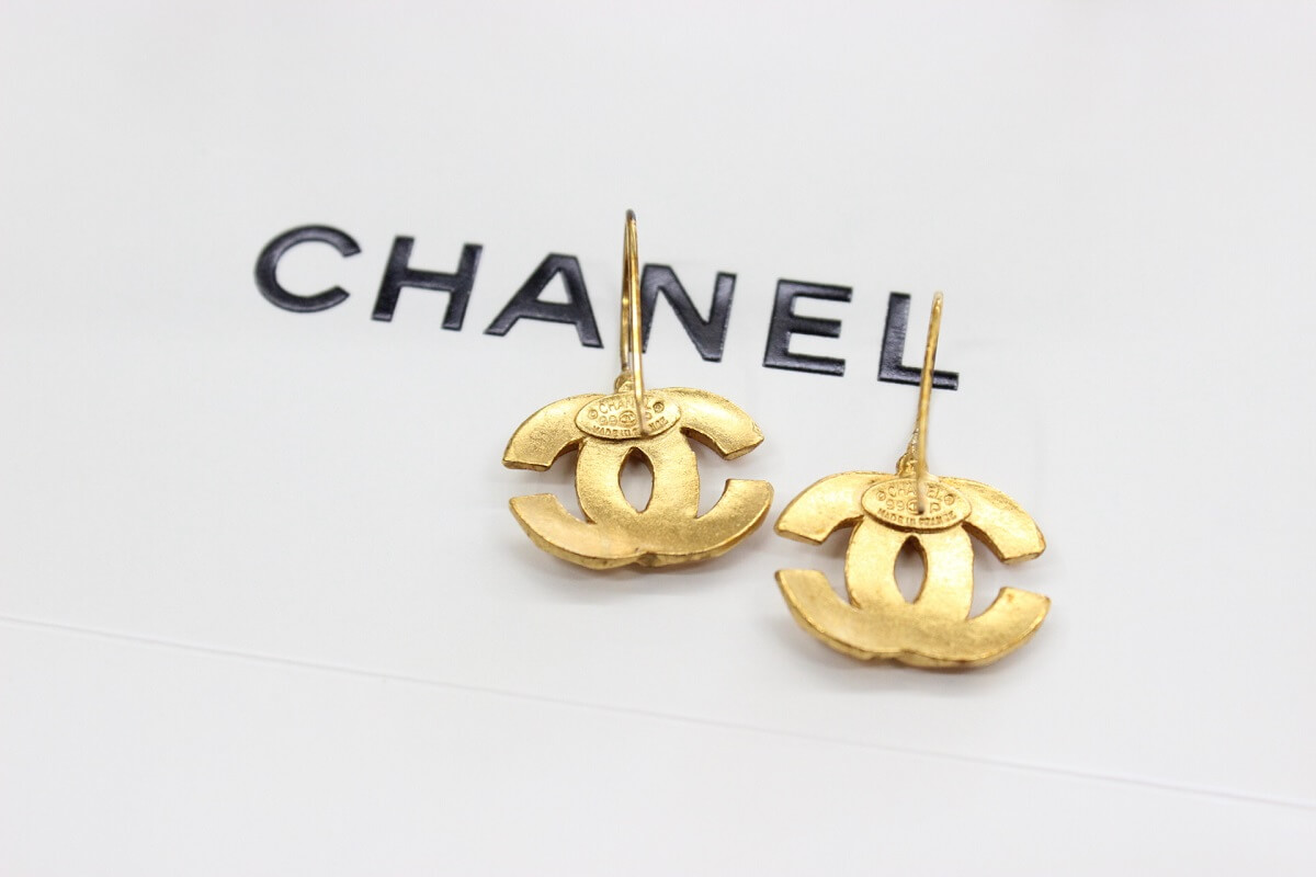 chanel-earring-back