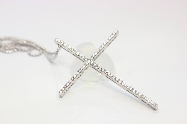 crossnecklace-1.00