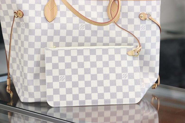lv-n41361-pouch